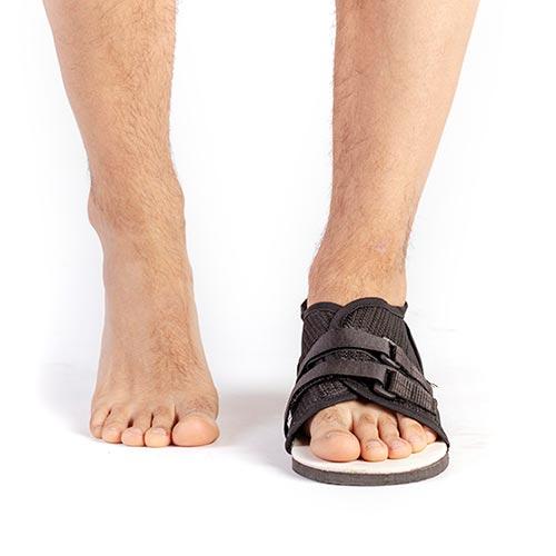 9372-000 Zapato ortopédico post-quirúrigico plano